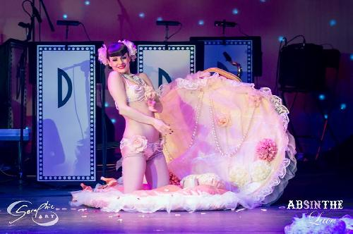 The stunning Talulah Blue - Debonaires Burlesque - Oh yes !