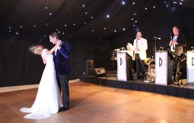 Debonaires play live music for beautiful dream weddings