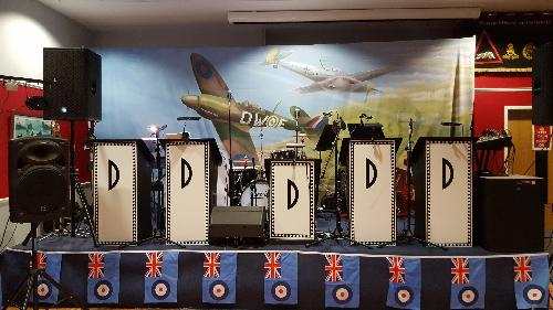 I just love this superb stage backdrop - just perfect. Well done KW and the Sergeant's Mess